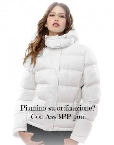 Piumino donna con cappuccio rimovibile basso in strass lato cuore 55 + spese